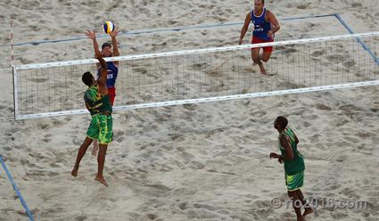 Игорь Величко и Олег Стояновский стали третьими на этапе Мирового тура по пляжному волейболу в Москве