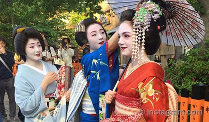 Евгения Медведева подготовит программу «Мемуары гейши» в костюме от японской швеи