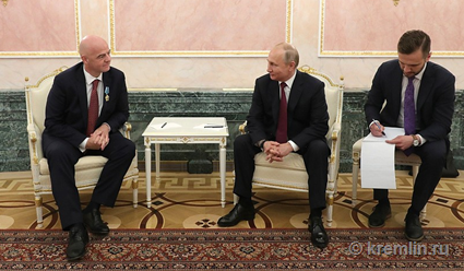 Владимир Путин: РФ готова участвовать в реализации планов ФИФА, касающихся развития футбола в мире
