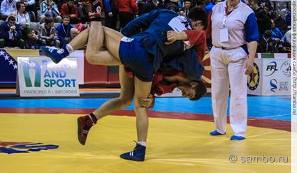 Российские самбисты завоевали семь золотых медалей в первый день Мемориала Харлампиева