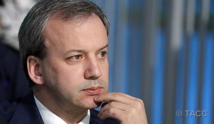 Дворкович: непосредственно на матче Непомнящий - Карлсен флага России не будет
